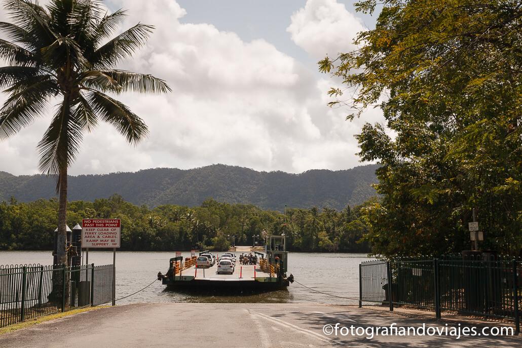 Ferry de Daintree