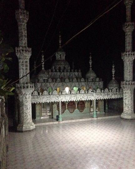 Masjid Tiban Turen Malang, Masjid Megah Dan Bergaya Mediterania