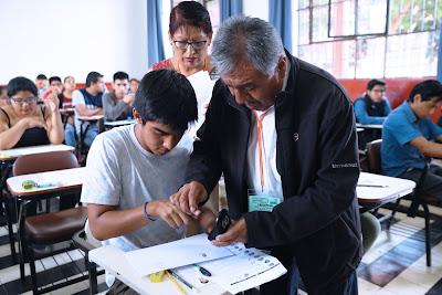 toma de huella digital para dar examen de ingreso UNFV 2019-7 de abril