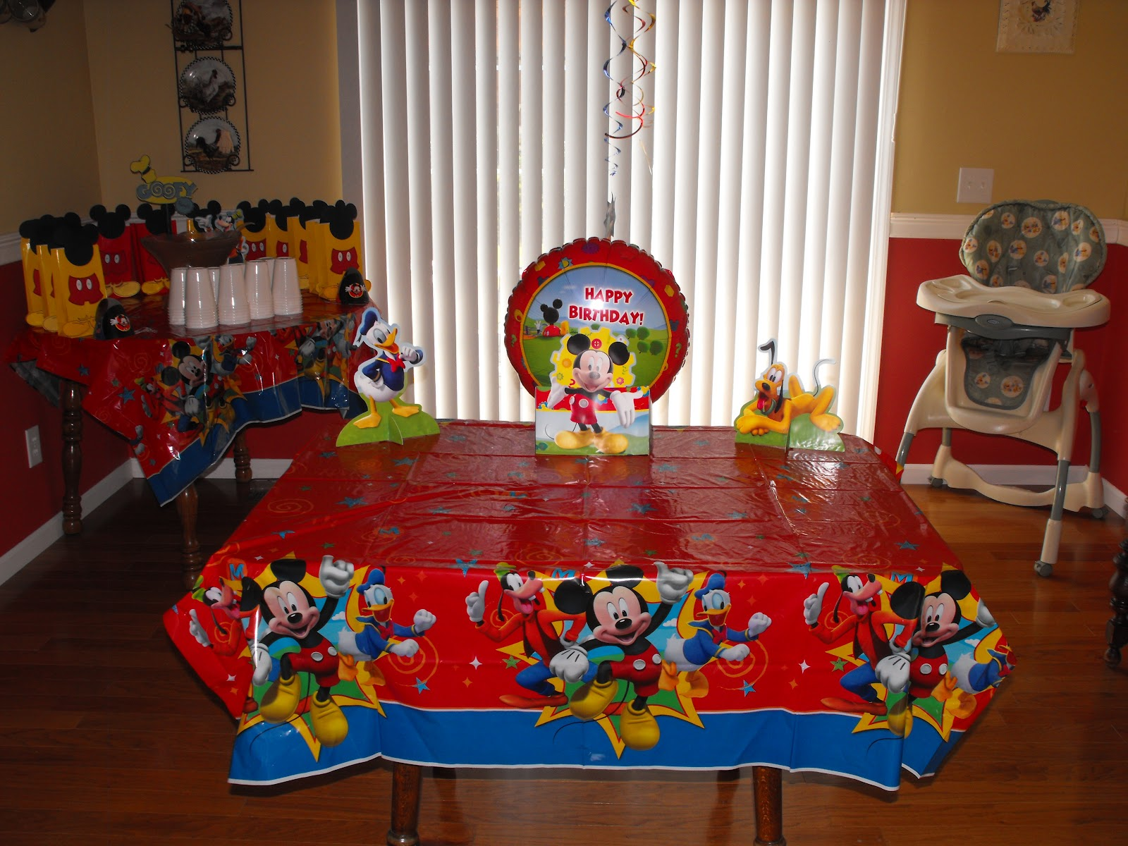 Mickey Mouse Birthday Party Ideas: Where The Walnut Trees Grow: Mickey Mouse Clubhouse Party