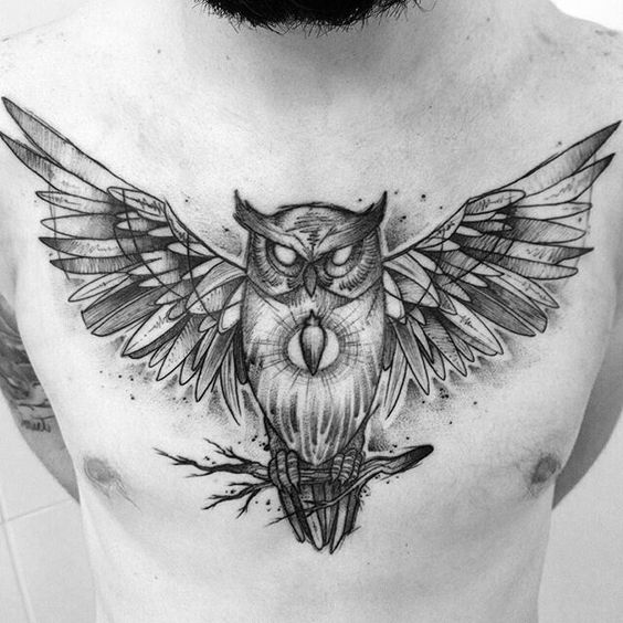 tatuagem masculina grande no peito