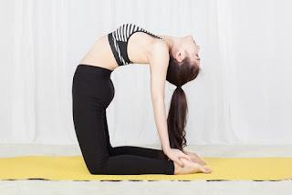 Cải thiện vòng 1 nhờ bài tập yoga đơn giản
