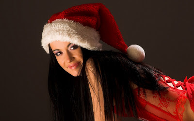 Christmas-girls-wallpapers-christmas-girl-with-long-black-hair-and-red-christmas-hat-wallpaper
