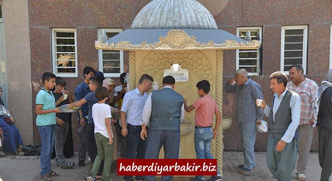 Diyarbakır'daki ikram çeşmelerinden kışın çorba, yazın limonata dağıtılıyor