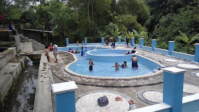 kolam anak-anak umbul brintik