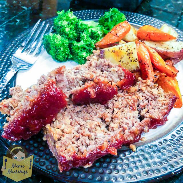 Easy Family Favorite Meatloaf_menumusings.com