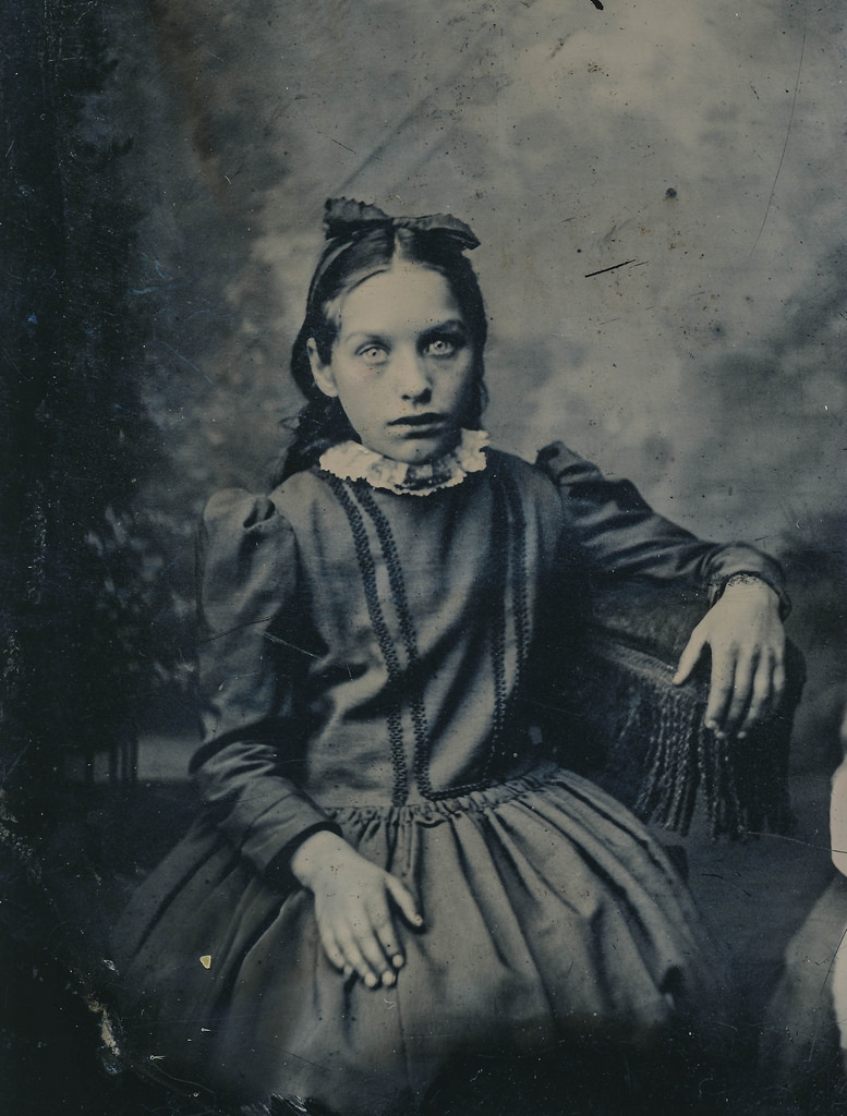 grandma rocking chair tufted leather desk chairs these 50 creepy vintage photographs from the early 20th century will make your skin crawl ...
