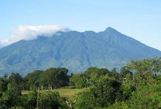 3 Gunung Angker di Indonesia dan Cerita Hantunya