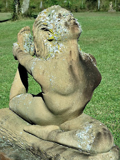 Pé atrás da cabeça - Jardim das Esculturas, Júlio de Castilhos (RS)
