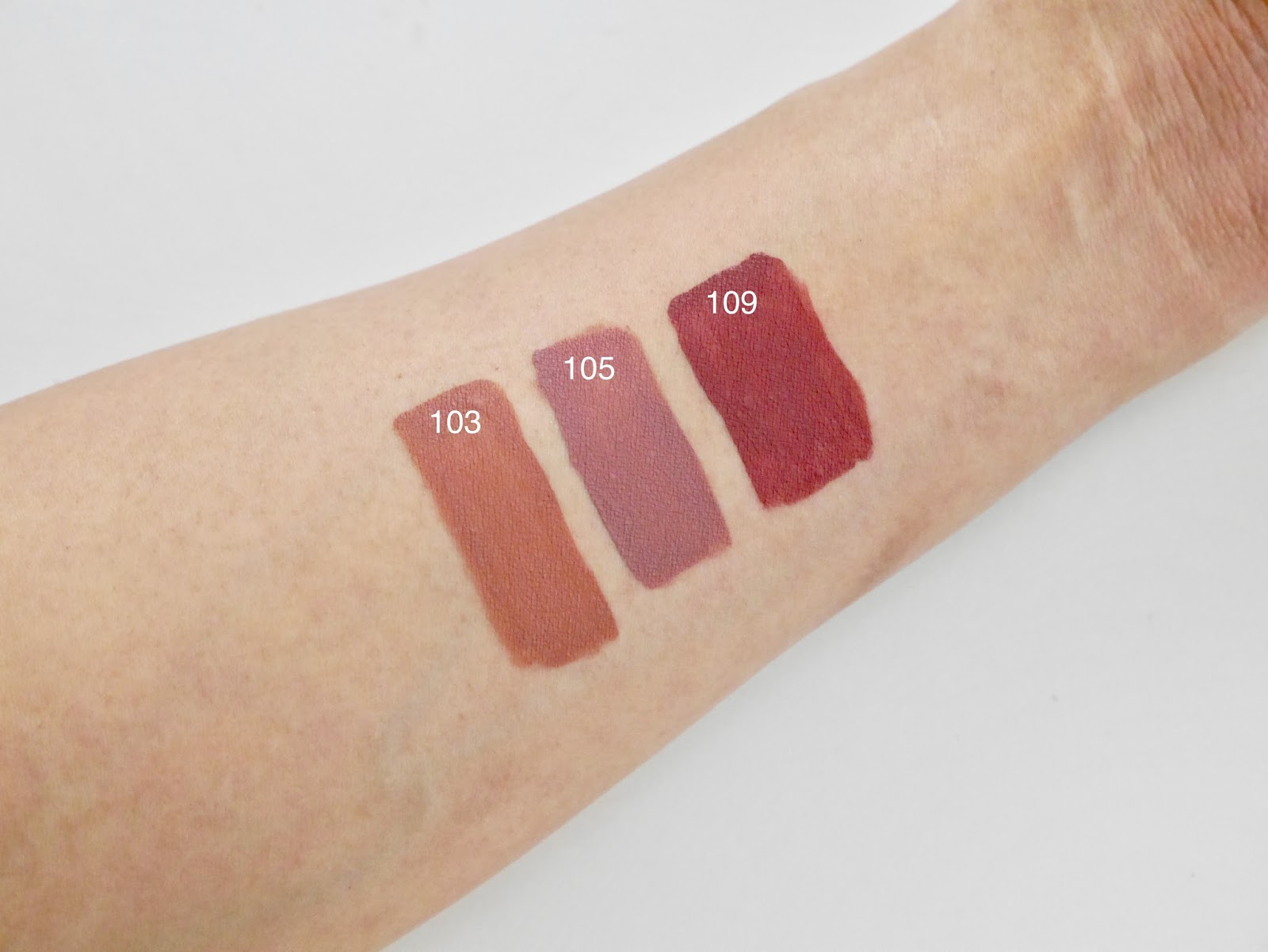 canadian beauty, bbloggers, bbloggersCA, beauty, makeup, make up for ever, liquid lipstick