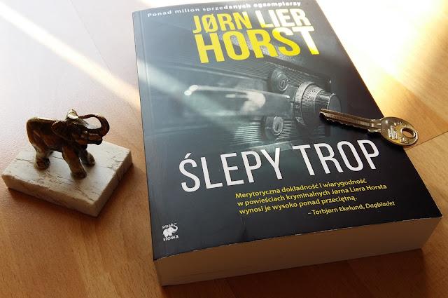 """Chciałabym mieć sejf. Recenzja przedpremierowa """"Ślepego tropu"""". Jørna Liera Horsta."""
