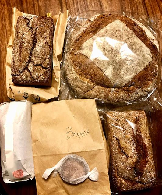 農家パン弥栄窯