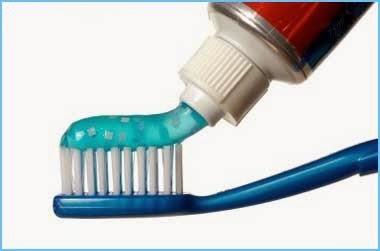 ยาสีฟันทำให้เป็นสิวที่คาง