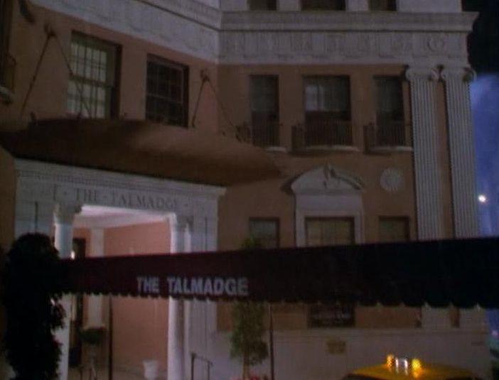 Charmed: Season 1 - Episode 1