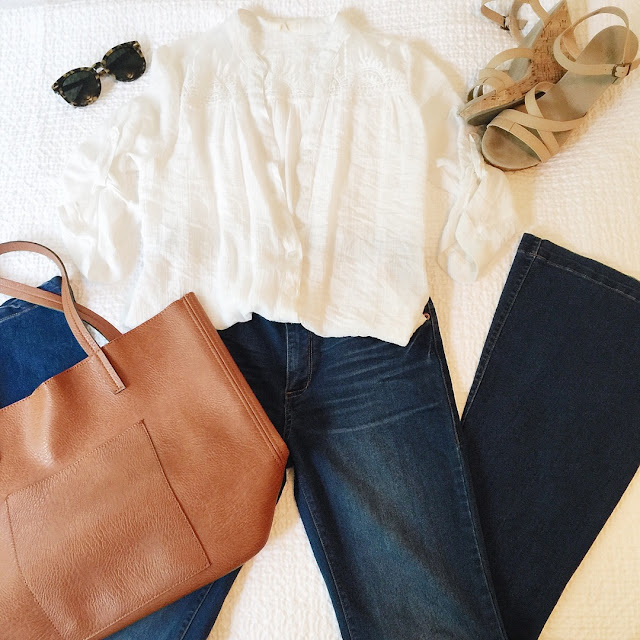 casual weekend outfit flare jeans platform sandals boho top cognac tote