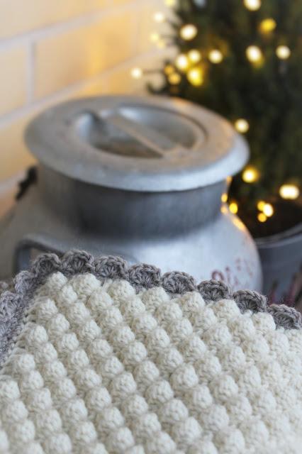 bobble stitch, kuplavirkkaus, vauvan peitto, virkattu peitto