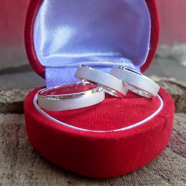 Foto gambar cincin couple pasangan keluarga samawa cantik