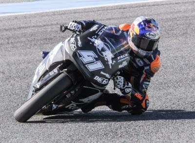 Jatuh! Binder Patah Tulang Lengan di Tes Moto2 Valencia