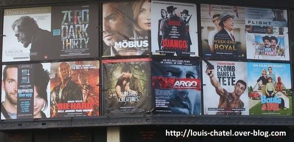 Affichage sur fronton d'un ciné avec 13 films...