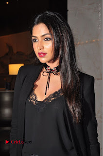 Actress Amala Paul Stills in Black Dress at South Scope Lifestyle Awards 2016 Red Carpet  0039.JPG