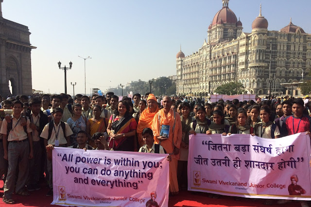 VES college students celebrated 'National youth day' at Gateway of India