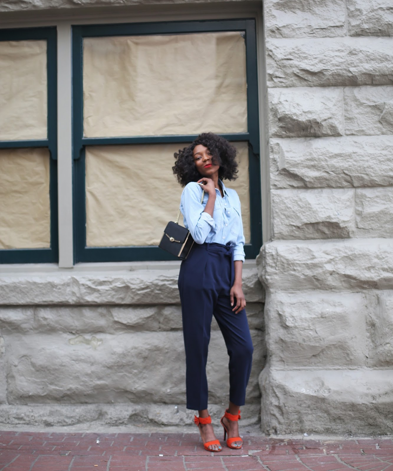 An incredible chic way to wear a denim shirt