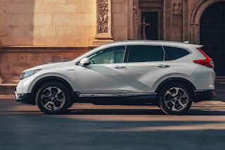 Honda CR-V Hybrid (2019) Side