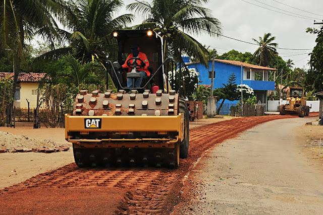 Resultado de imagem para Moradores dos distritos de Pedrinhas, Grutas, Boca da Ilha e Campinas, em Extremoz, comemoram os serviços de recapeamento