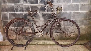 LAPAK SEPEDA ANTIK INGGRIS : Jual Sepeda Antik Inggris Merk The Royal