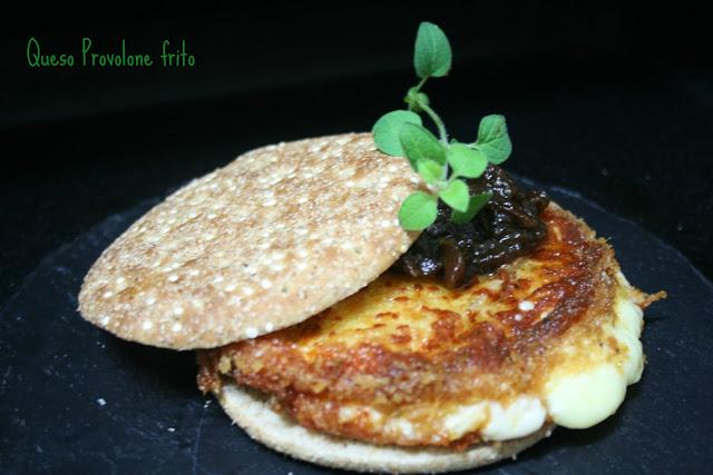 queso Provolone frito, chutney