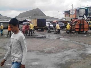 Tumpukan Sampah di Terminal Tanjung Raja Dibersihkan