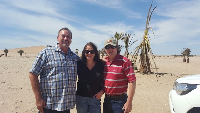Deon de Waal and Emma Bourne with husband at Dune 7