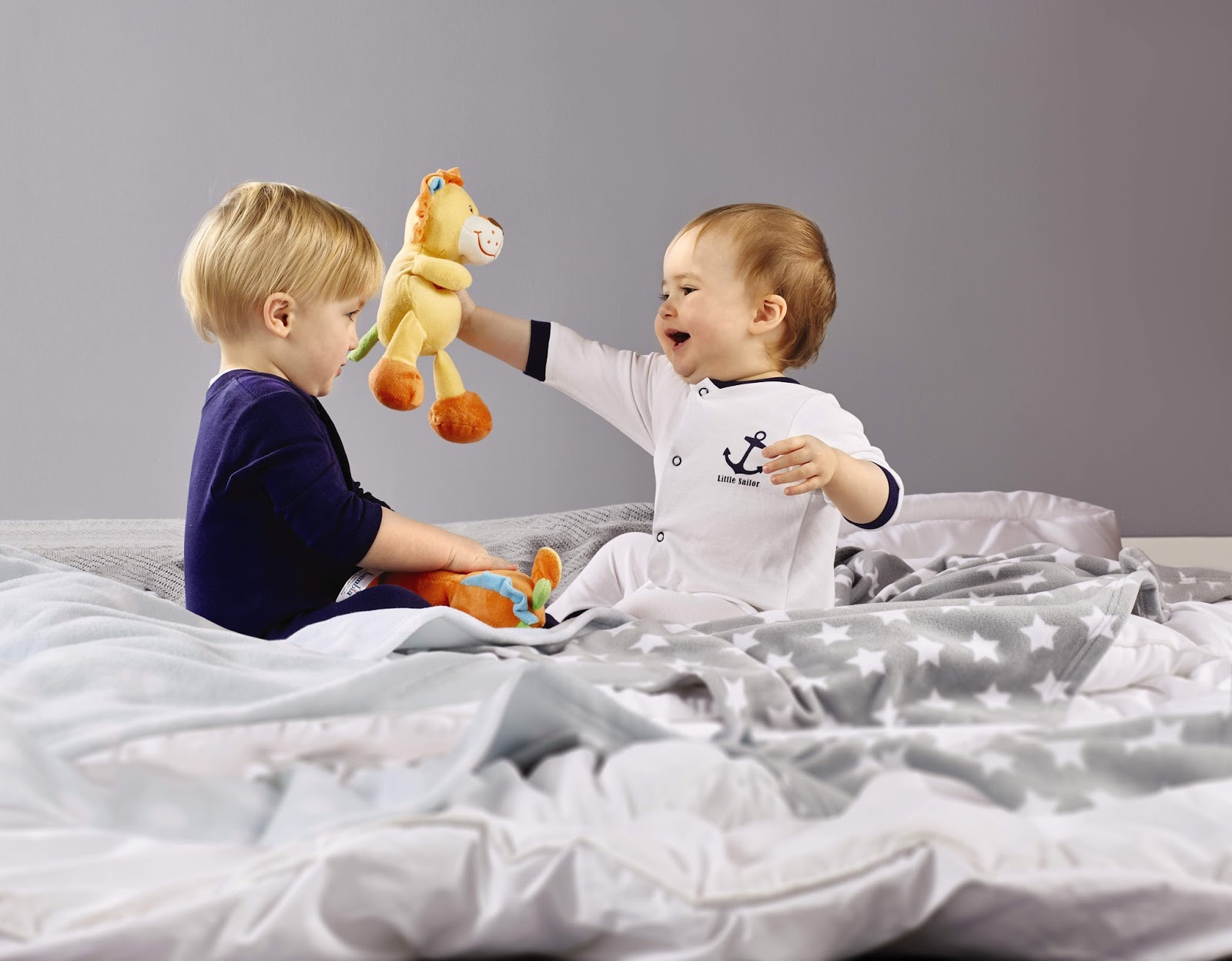 wafflemama aldi baby event win a moses basket. Black Bedroom Furniture Sets. Home Design Ideas