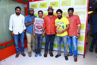 Sanjeev Chetana Uttej at Pichiga Nachav Song Launch at Radio Mirchi Pos  0012.jpg