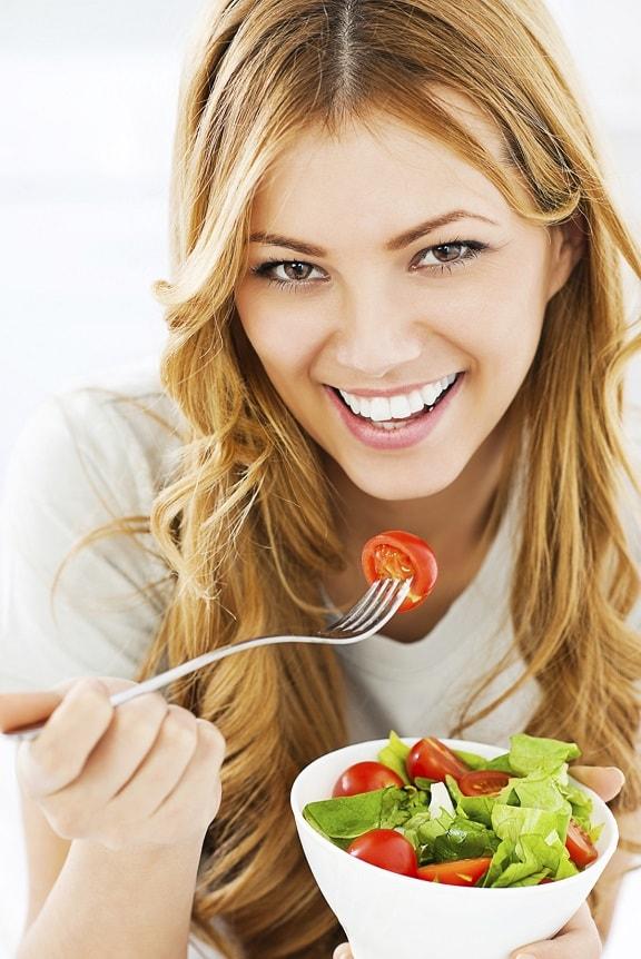 Makanan berkhasiat untuk kulit cantik