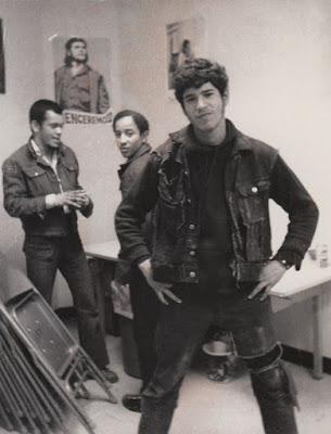 Benjamin Benji Meléndez y dos miembros de Ghetto Brothers en 1970