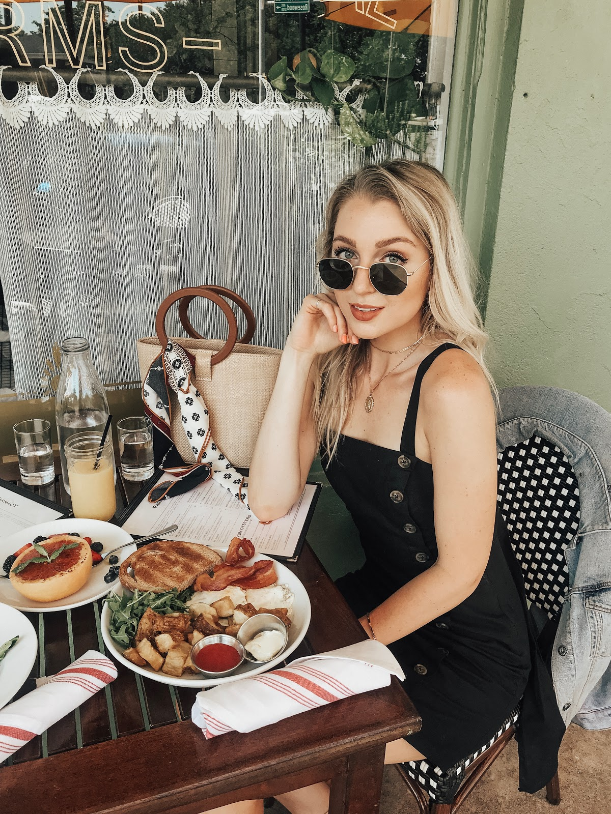 Brunch outfit | Hillside Farmacy in Austin
