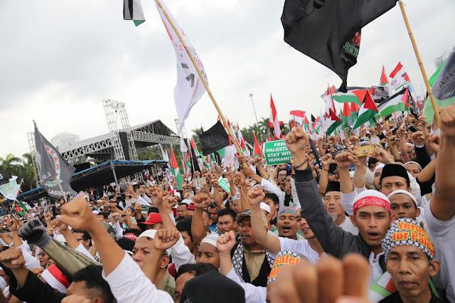 Tiga Wajah yang tak Tampak di Aksi Palestina