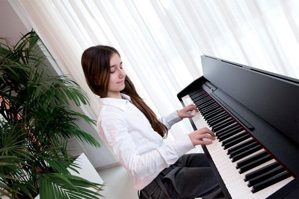 Hướng dẫn vệ sinh đàn piano điện tại nhà