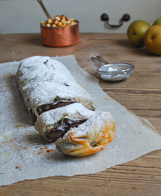 Strudel de pera, chocolate y avellanas - Dulces bocados