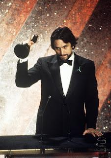 De Niro recogiendo su Oscar por Toro salvaje