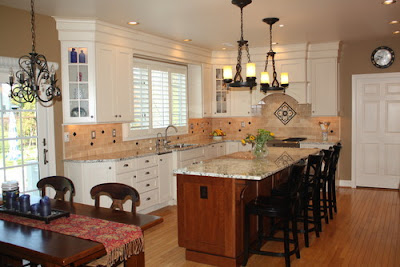 Yorktowne-Cabinets-Traditional-Kitchen_tbhd