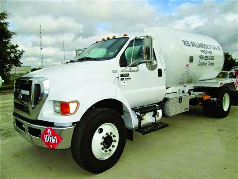 Alt Fuel Partners Roush F-650 Propane-Fueled Bobtail On the Road; F