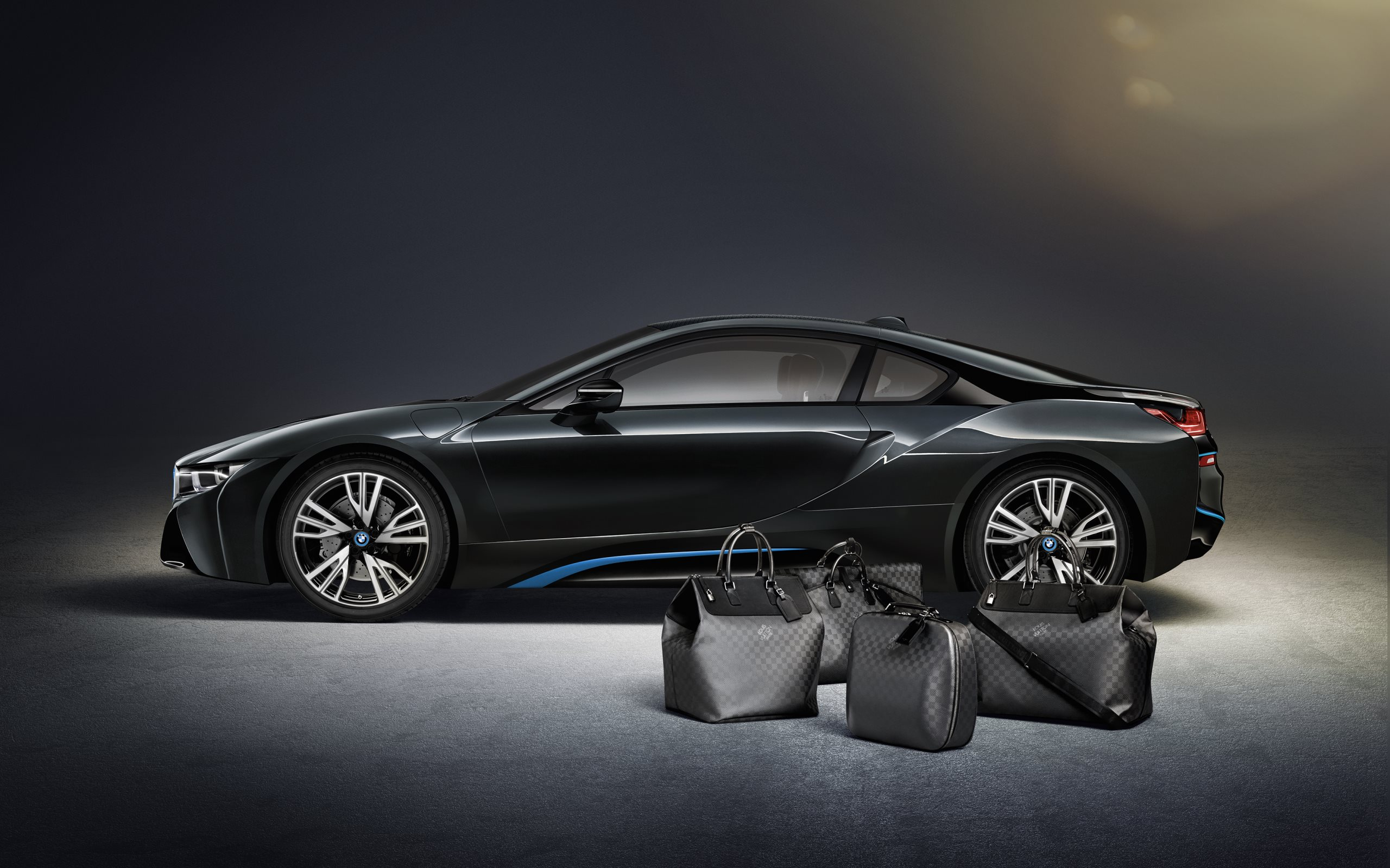 Louis Vuitton luggage for the BMW i8 HD Wallpapers · 4K