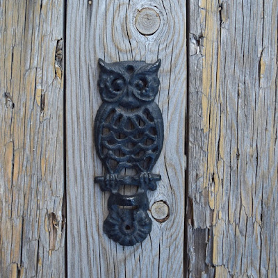 https://www.etsy.com/listing/276636170/vintage-owl-wall-bracket-wall-decor-cast?ref=shop_home_active_1