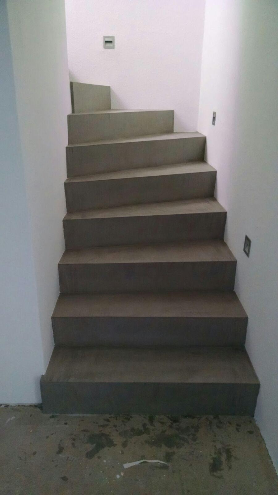 beton cire oberfl chen in beton look beton unique aus alt mach neu betonlook treppe by. Black Bedroom Furniture Sets. Home Design Ideas