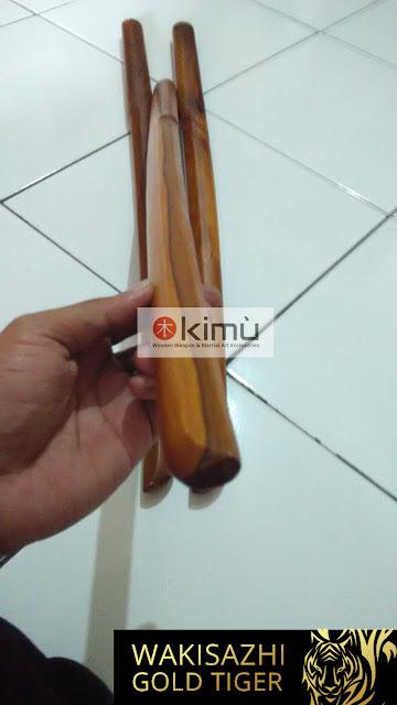 Gold Tiger Wakizashi (Pedang Pendek Kayu Sawo)