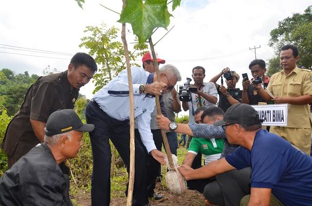 Hari Bhakti Rimbawan, Wakil Bupati Bima Tanam Berbagai Jenis Pohon