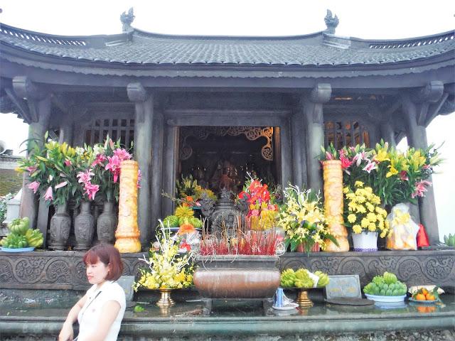 dong pagoda yen tu vietnam