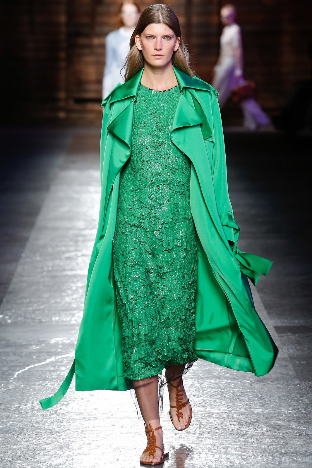 Pantone colour report & spring summer 2016 fashion trends / green flash at Emilio Pucci Spring/Summer 2016 via www.fashionedbylove.co.uk British fashion & style blog